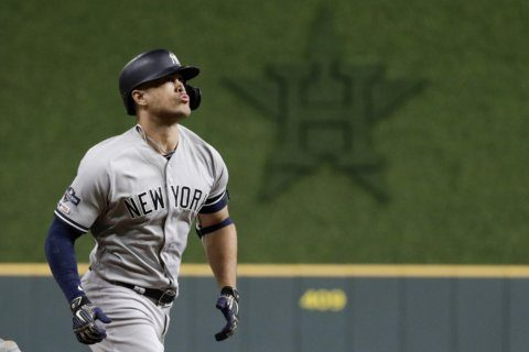 Yankees' Stanton out for ALCS Game 2 with quad injury