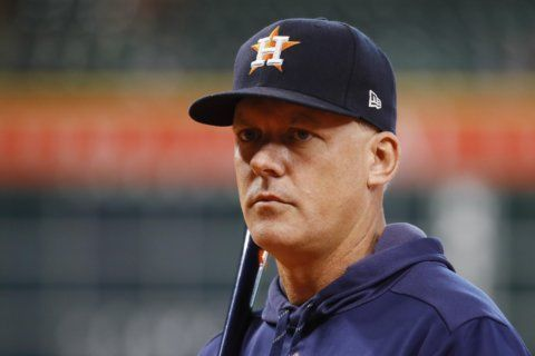 Greinke says he didn't hear taunts, Astros quiet Yanks crowd
