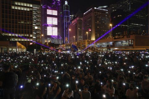 Hong Kong protesters defy police, set up roadblocks
