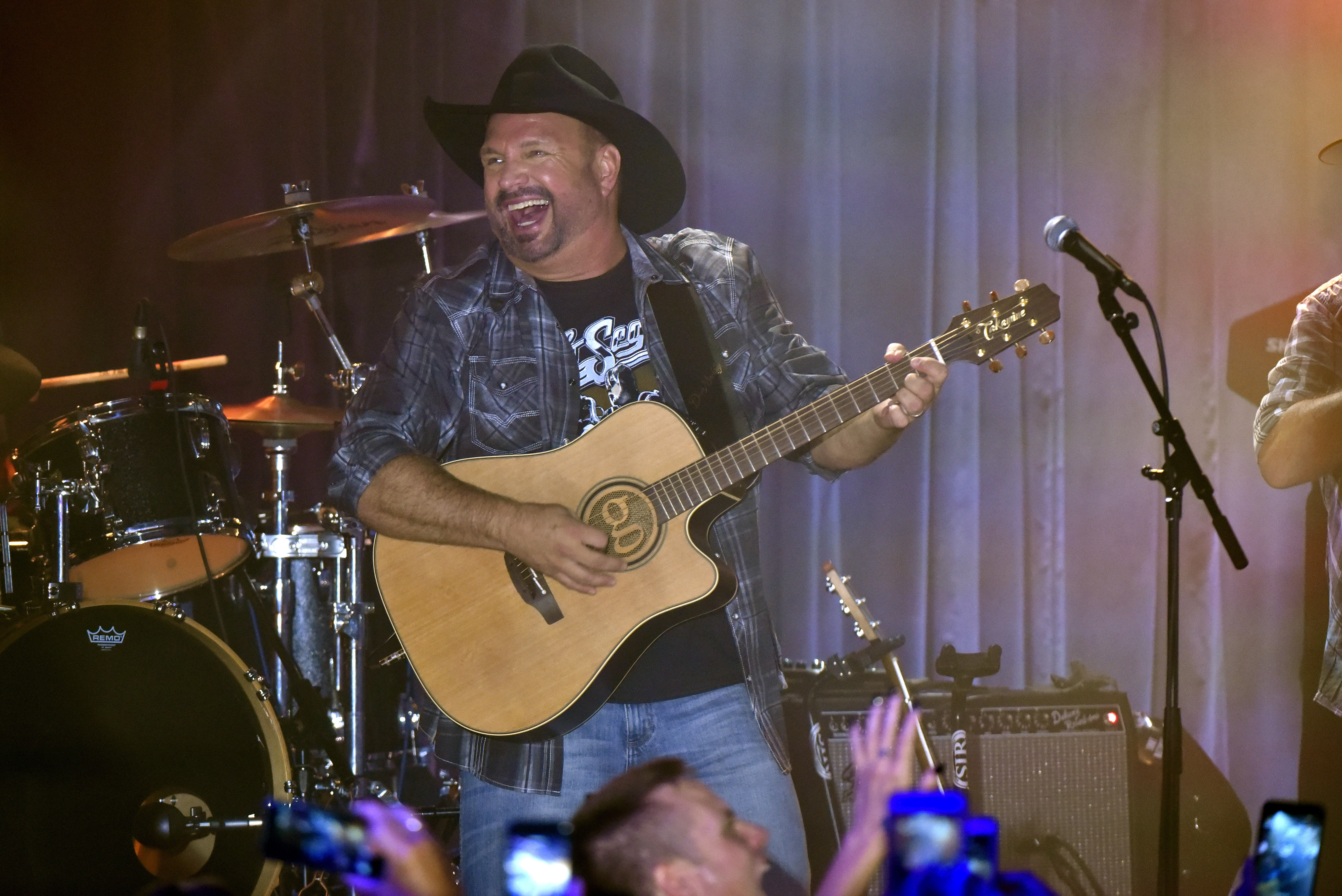 Garth Brooks to receive Library of Congress' Gershwin Prize