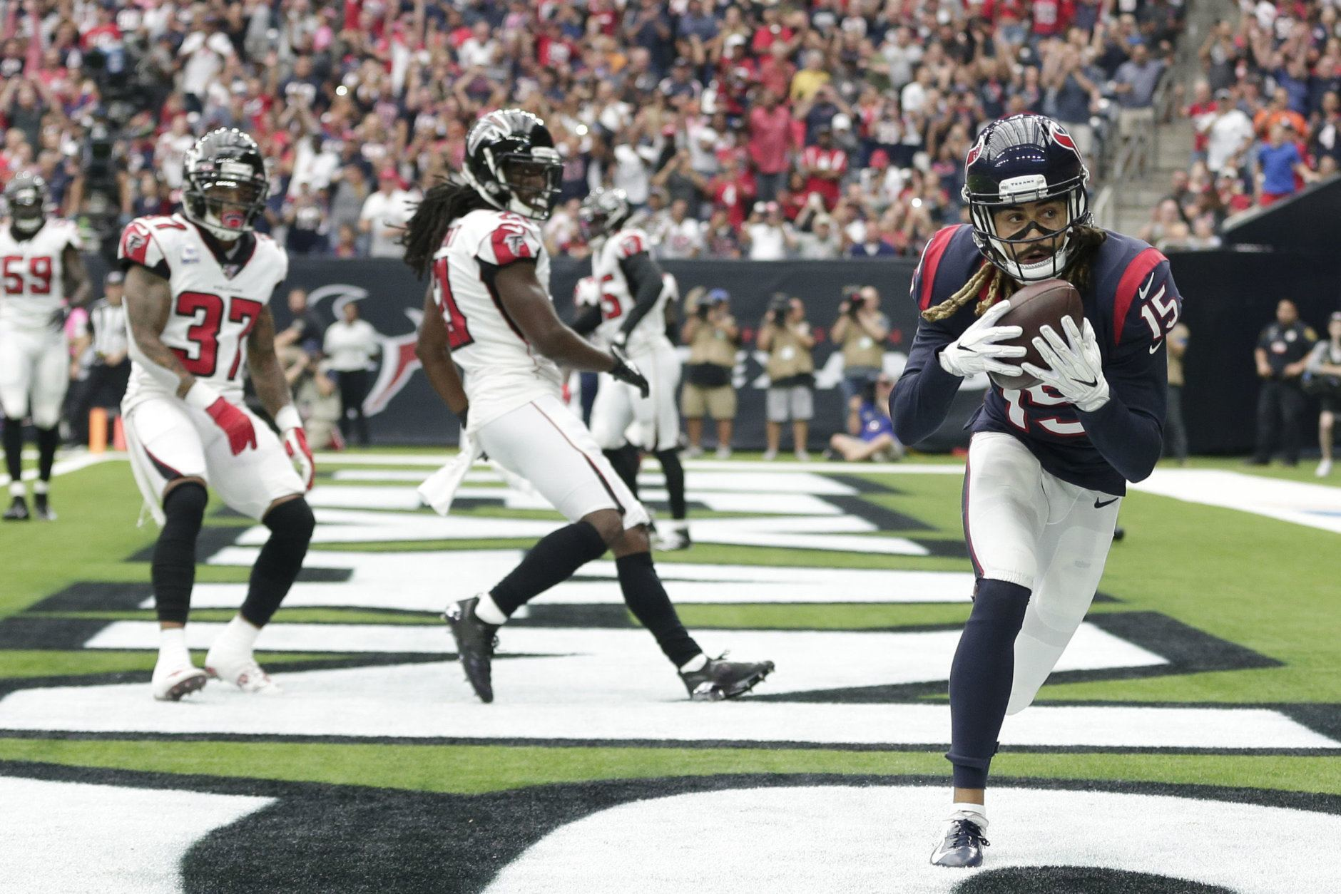 <p><b><i>Falcons 32</i></b><br /> <b><i>Texans 53</i></b></p> <p>Will Fuller&#8217;s ridiculous 14-catch, 217-yard, 3-TD outburst goes down as one of the top 10 fantasy performances by a receiver and Deshaun Watson had a perfect passing game (he had as many touchdowns as incompletions!) to put Houston atop their division and Atlanta at the bottom of theirs. Now, if you&#8217;ll excuse, I&#8217;m going to slink away and hope no one remembers my preseason prediction for the Falcons.</p>
