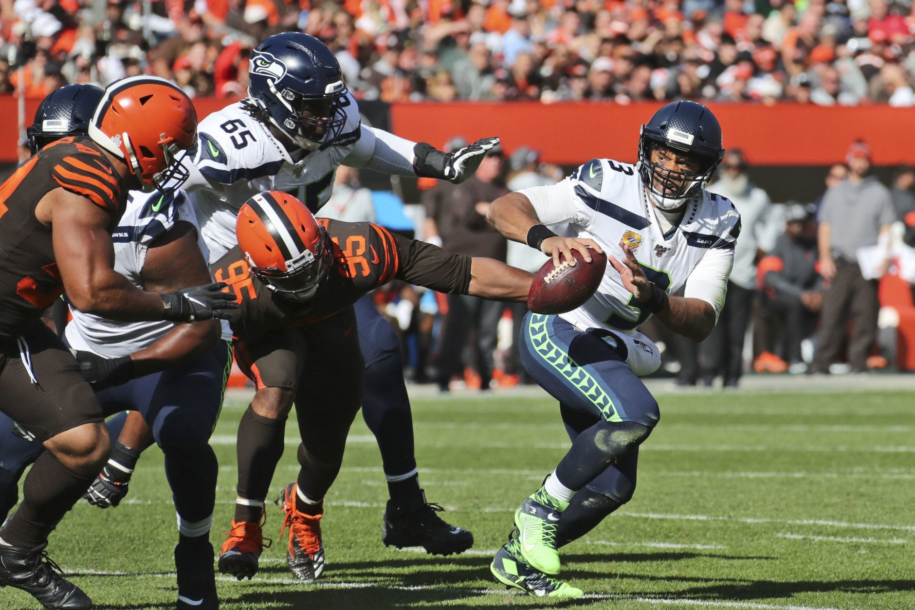 "<p><b><i>Seahawks 32</i></b><br /> <b><i>Browns 28</i></b></p> <p>Ohio-native Russell Wilson&#8217;s first game in Cleveland went a helluva lot better than any of the three Baker Mayfield has played there this season. The Browns are 2-4, including an 0-3 start at home, and it&#8217;s starting to look like this team is closer to <a href=""https://riggosrag.com/2019/06/27/redskins-2000-super-team-not/"" target=""_blank"" rel=""noopener"" data-saferedirecturl=""https://www.google.com/url?q=https://riggosrag.com/2019/06/27/redskins-2000-super-team-not/&amp;source=gmail&amp;ust=1571101182805000&amp;usg=AFQjCNGCUPsk5Lz2IlxFnGsPkqs6MQycxA"">the Fortune .500 Redskins</a> than anything resembling their preseason hype.</p>"