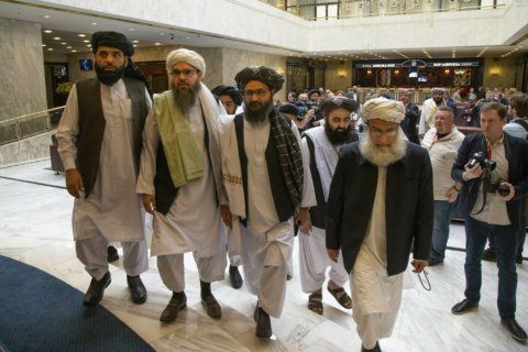 Afghan president, Chinese FM discuss dialogue with Taliban