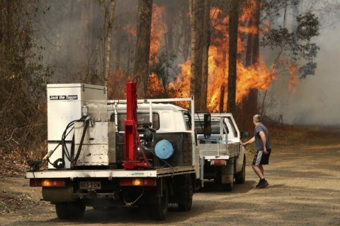 Wildfires destroy up to 30 homes in eastern Australia