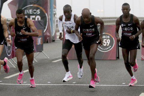 Kenya's Eliud Kipchoge smashes two-hour marathon barrier
