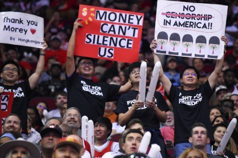 Fans at Rockets opener show support for Hong Kong protesters