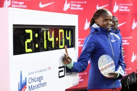 Kenyan Brigid Kosgei breaks world record at Chicago marathon