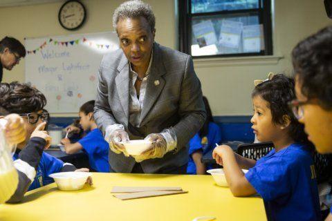 New Chicago mayor faces familiar problems as teachers strike