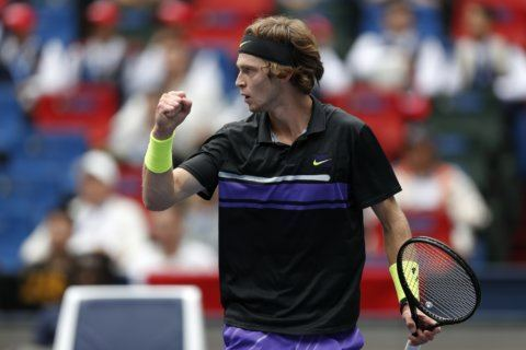 Federer, Medvedev reach 3rd round in Shanghai; Murray out