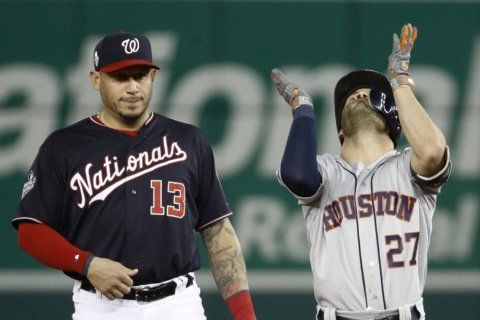 Nats waste chances, Astros grab World Series Game 3