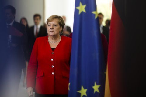 Macron and Merkel try to showcase unity as Brexit looms