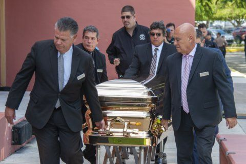 Hundreds mourn José José, star Mexican crooner at Miami wake