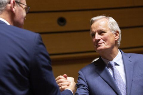 Brexit talks inch closer to deal before summit