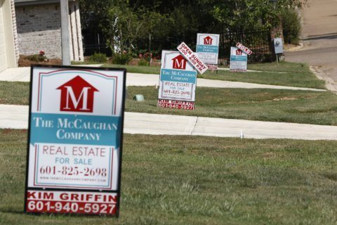 US long-term mortgage rates fall; 30-year at 3.57%