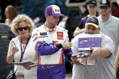 Denny Hamlin wins pole on Dover track where he's yet to win