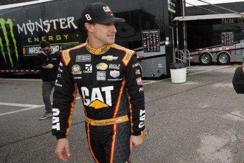 Hamlin wins chaotic NASCAR cut-off race at Kansas Speedway