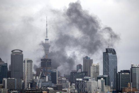 Fire burning for 2nd day disrupts center of New Zealand city