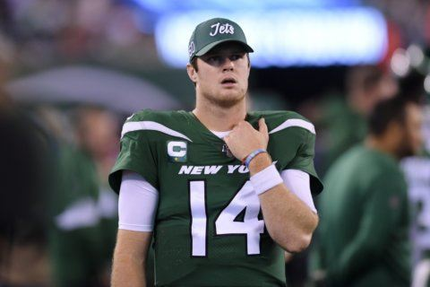 Jets angry Darnold's 'seeing ghosts' comment made it on air