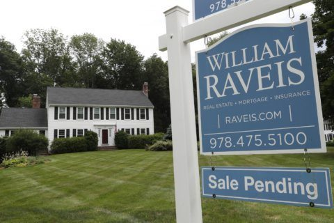 Pending home sales reached a 21-month high in September
