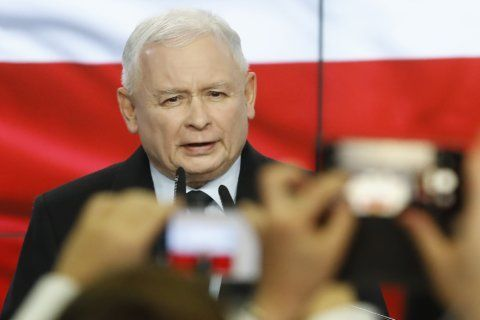 Poland's right-wing wins but leader Kaczynski wants more