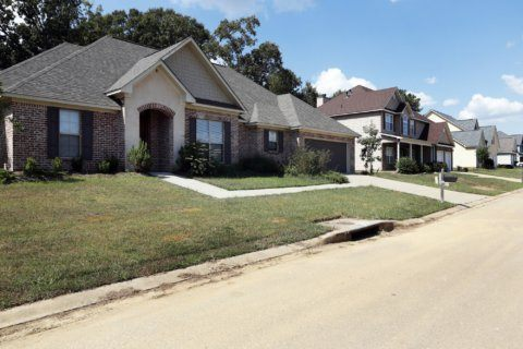 Rising home prices, falling sales hurting small businesses