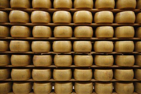 Retail worry: Will wine, cheese tariffs hurt holiday sales?