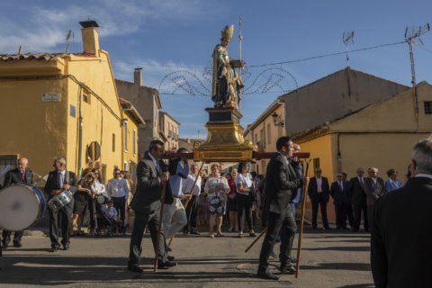 AP PHOTOS: Fading Spanish town keeps light on native saint