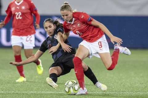 UEFA signs Esprit fashion brand as women's soccer sponsor