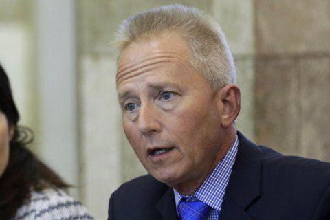 AP source: NJ Dem lawmaker plans to become a Republican