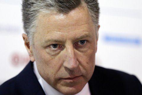 Diplomats pushed Ukraine to investigate, dangled Trump visit