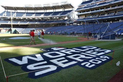 Man arrested for selling fake World Series tickets near Nats Park