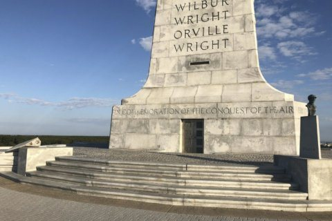 Bust of Orville Wright found on North Carolina beach