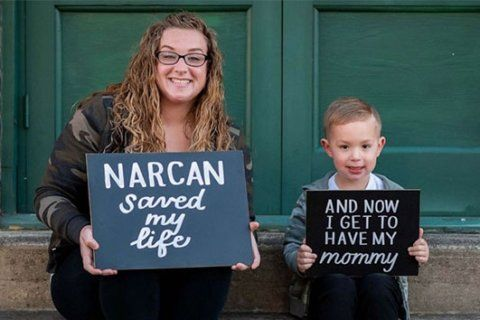 Mom whose overdose photo went viral celebrates 3 years of sobriety in photo shoot with son