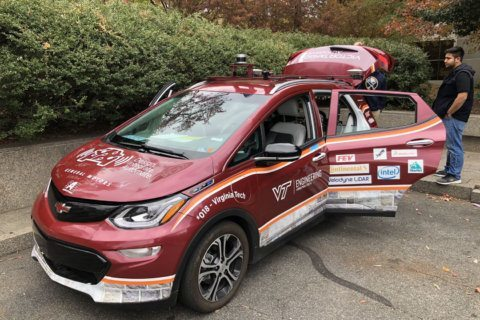 Self-driving shuttle, car shown off in Northern Virginia