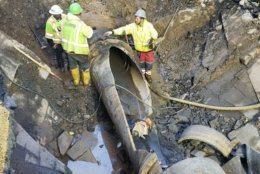 Arlington crews work on last week's water main break. (Courtesy Arlington Department of Environmental Services)