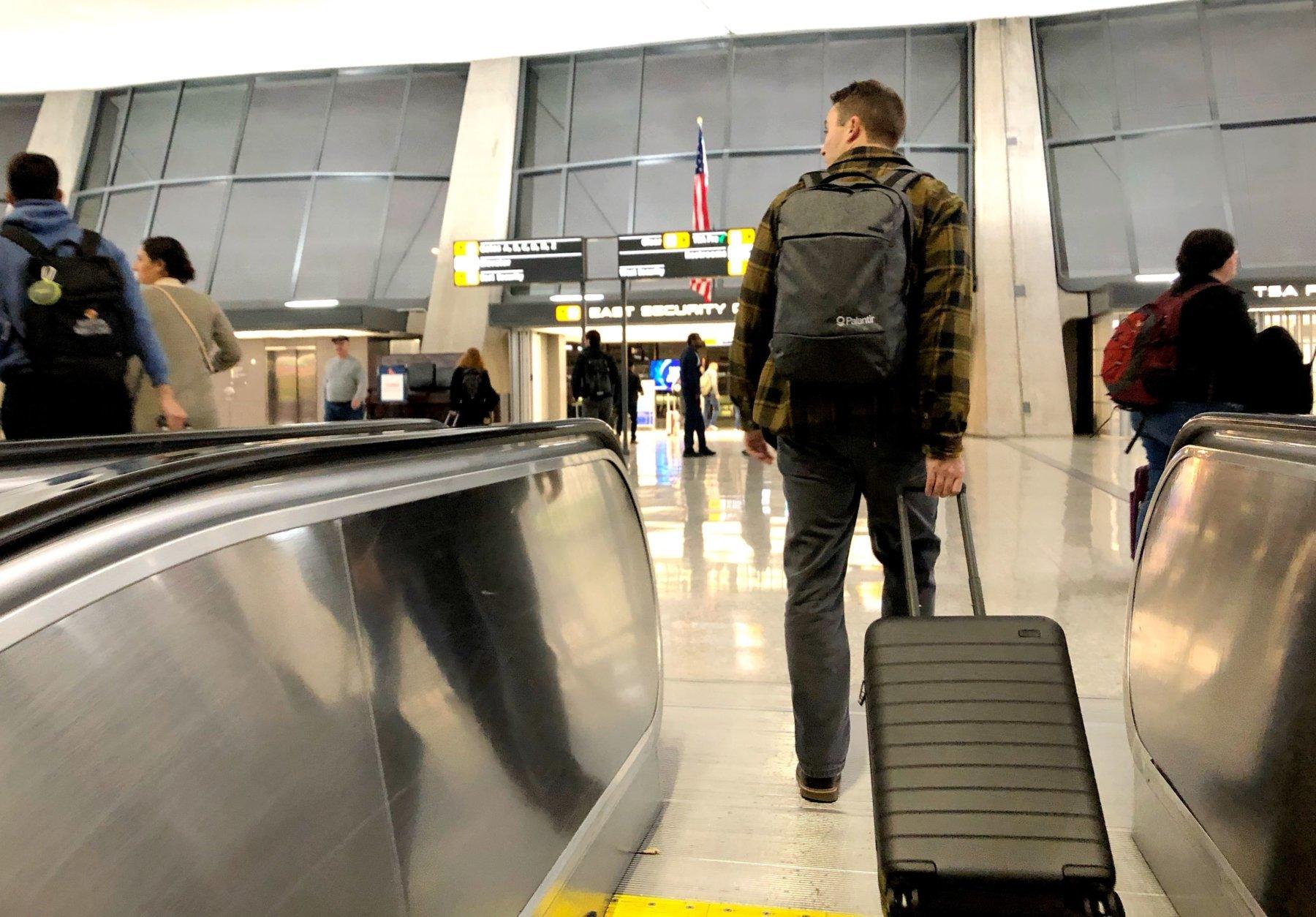 Dulles thanksgiving passenger