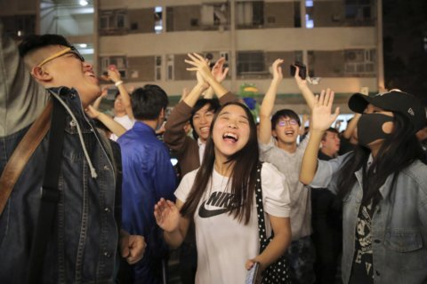 Hong Kong tunnel reopens, campus siege nears end