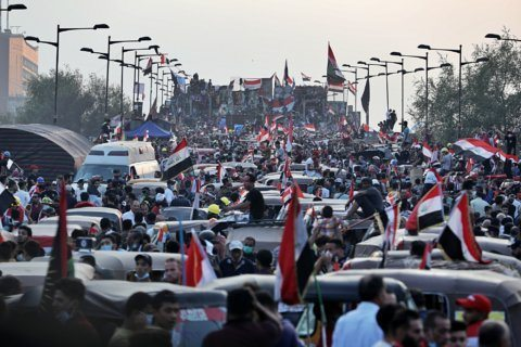 At least 5 protesters killed in new round of clashes in Iraq