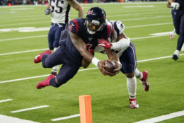 """<p><b><i>Patriots 22</i></b><br /> <b><i>Texans 28</i></b></p> <p>Blame it on <a href=""""https://twitter.com/FieldYates/status/1201156166321094656"""" target=""""_blank"""" rel=""""noopener"""">a flu bug</a> or a Bill Belichick assistant <a href=""""https://profootballtalk.nbcsports.com/2019/11/27/former-assistants-wary-of-old-boss-bill-belichick/"""" target=""""_blank"""" rel=""""noopener"""">finally beating the odds,</a> but Tom Brady looked ordinary and the vaunted Patriots defense did little to slow down <a href=""""https://twitter.com/ESPNStatsInfo/status/1201093586122657792?s=20"""" target=""""_blank"""" rel=""""noopener"""">Deshaun Watson&#8217;s run of primetime dominance</a>. New England&#8217;s dynasty has been prematurely eulogized before, but they&#8217;re a home loss to Kansas City away from getting swept by other AFC division leaders and setting up a lot of questions over whether they can hang on to win their division, let alone conference.</p>"""