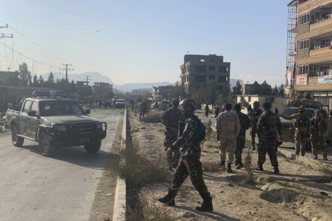 Afghan official says Kabul car bomb blast kills 7 people