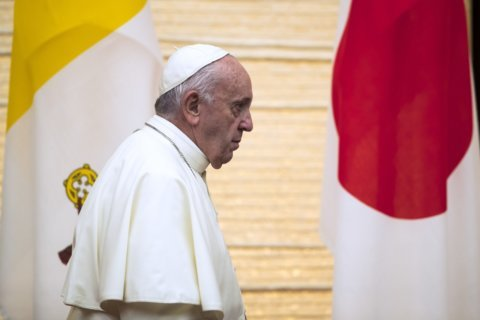Pope visits Jesuit Japan community that could have been his