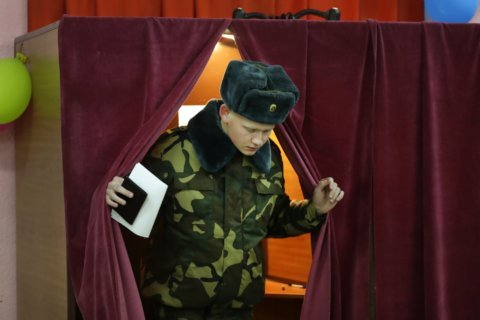 Belarus leader dismisses democracy even as vote takes place
