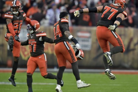Browns take step forward in strange, unpredictable season