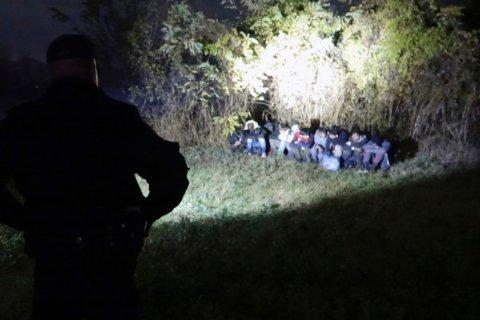 Bosnian border police sound alarm over migration pressure