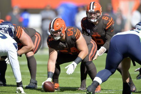 Browns sign C JC Tretter to 3-year contract extension