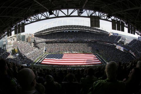 NFL Notes: Staubach among Salute to Service award nominees