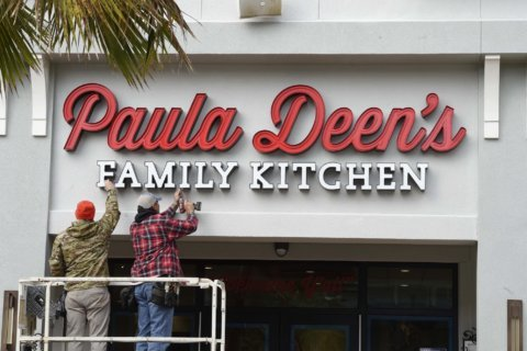 2 Paula Deen's Family Kitchen restaurants close in Florida