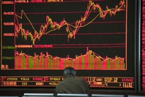 World shares advance as investors await US-China trade moves