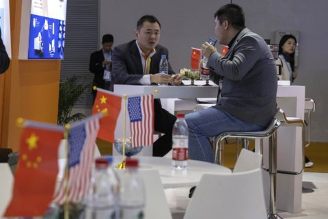 China presses Washington for tariff cut in trade deal