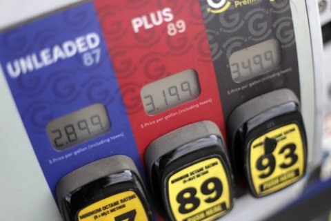 US consumer prices up 0.4% in October; gasoline prices surge